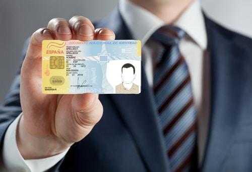 ¿Qué datos personales ha de incluir el currículum?