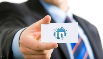 Titular profesional en Linkedin: En búsqueda activa de empleo